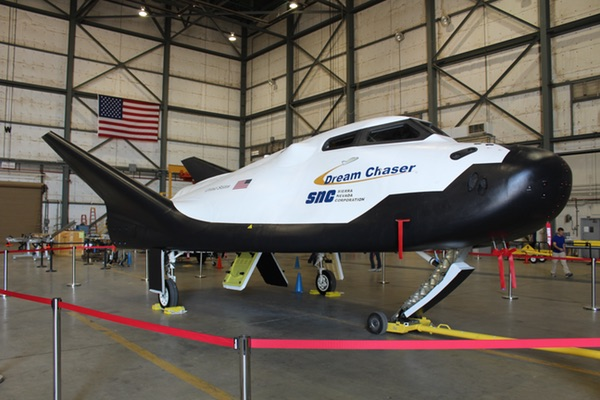 Dream Chaser in hangar