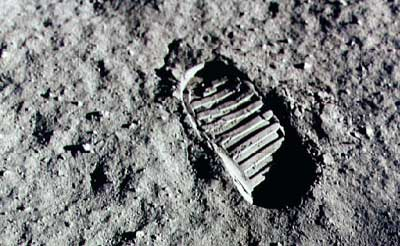 Apollo 11 footprint image