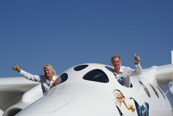 Branson and Rutan thumbs-up